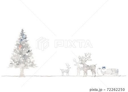銀色のクリスマス、もみの木とトナカイ 72262250