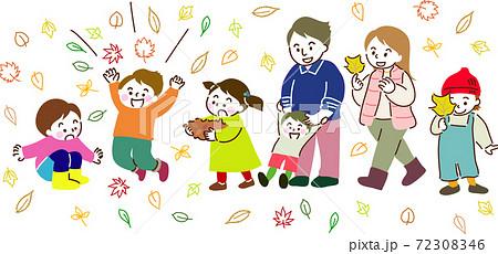 落ち葉を集めたり投げたり拾って楽しむ家族や友達 72308346