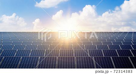 태양광 솔라 패널과 친환경 에너지 72314383