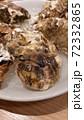 牡蠣の殻 72332865