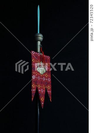 熱海市・来宮神社の比礼鉾(ひれほこ)と社紋「五七桐」を織り込んだ比礼旗 72345520