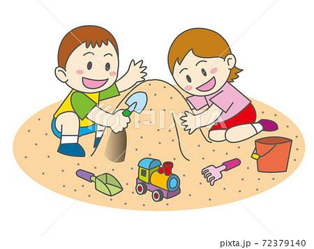 砂遊び 72379140
