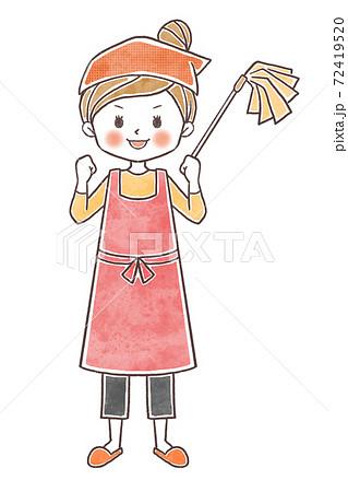 掃除をがんばる女性 72419520
