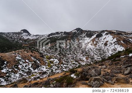 晩秋の安達太良山 登山道から見る景色 72436619