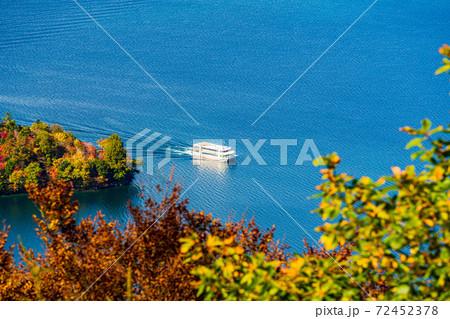 (栃木県)中禅寺湖・八丁出島を巡る観光船 72452378