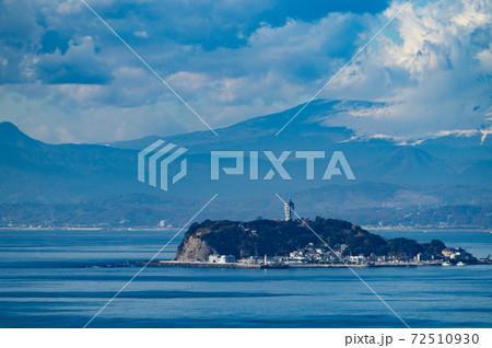 神奈川県逗子市披露山公園からの江の島 72510930
