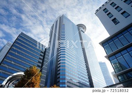 高層ビル 都市 72518032
