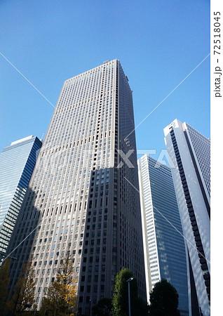 高層ビル 都市 72518045