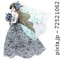 ブルードレスの新婦 72521062