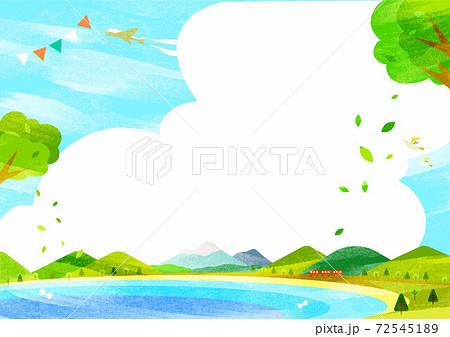 新緑のお出かけ背景イラスト 山脈と海岸線 水彩テクスチャ 72545189