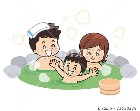 露天風呂に入浴する家族 温泉 72550278