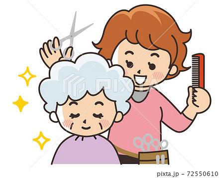 美容師の女性とお客様 72550610