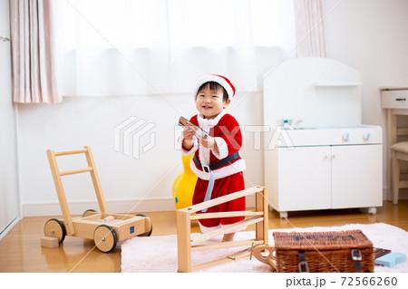 子供 サンタ 幼児 72566260