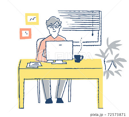 パソコン作業をする男性 72573871