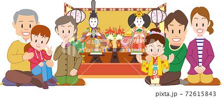 ひな人形と3世代家族 72615843