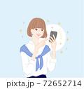 スマホ女性笑顔2 72652714