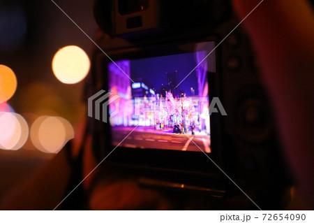 御堂筋イルミネーション2020を撮るカメラ 72654090