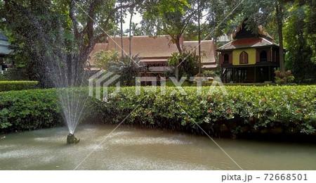 タイバンコク スアンパッカード宮殿の庭園 72668501