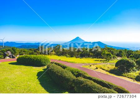 千貫平自然公園の展望台から見た開聞岳 72677304
