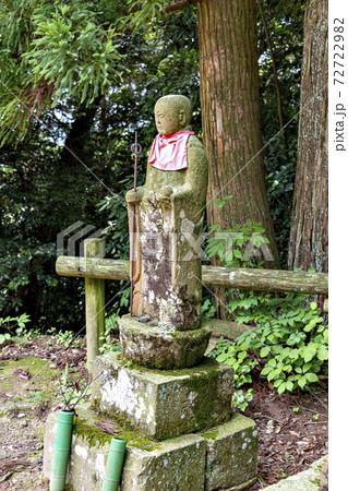 兵庫県三田市にある虚空蔵寺境内にある菩薩像 72722982