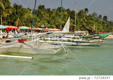 フィリピン、パナヤ島にあるイロイロ市の海岸 72729347