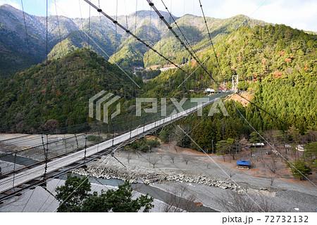 スリル満点 谷瀬の吊り橋 72732132