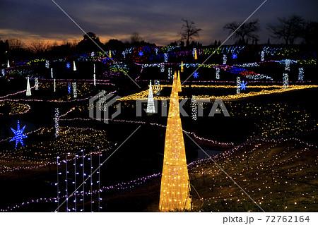馬見丘陵公園クリスマスイルミネーション 72762164