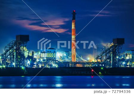 【京葉工業地域 新日鐵住金君津製鐵所の工場夜景】 72794336