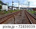 横須賀線の踏切の風景 72839339