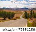 スペインの田舎道 72851259