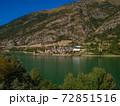ピレネー 湖 スペイン 72851516