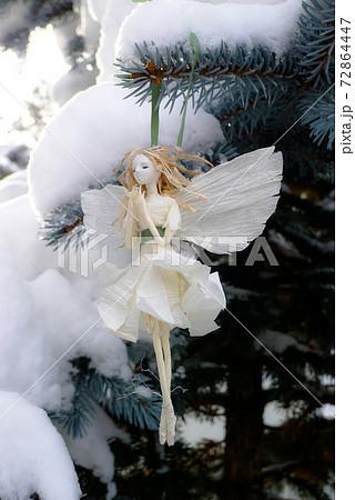 雪の花の妖精です。北の国の麓郷から冬の便りです。 72864447