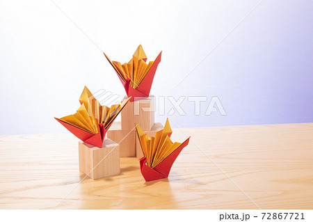 オリヅルの組み合わせで和のイメージを表現 72867721
