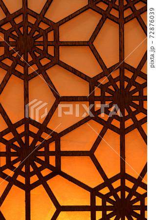六角形の竹細工 背景素材 72876039