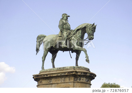 イタリア 銅像 騎士 72876057