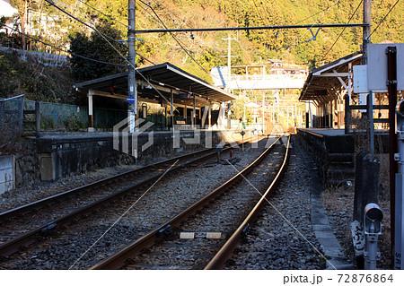 青梅線鳩ノ巣駅の上下線ホーム(1) 72876864