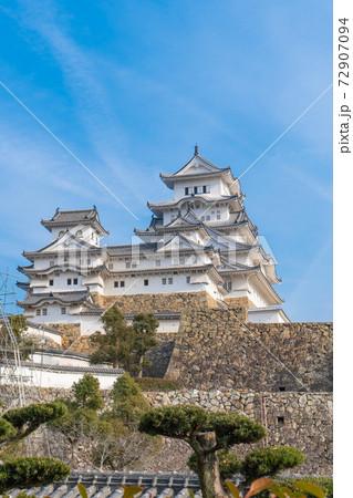 西の丸にある櫓から見た天守閣(姫路城) 72907094