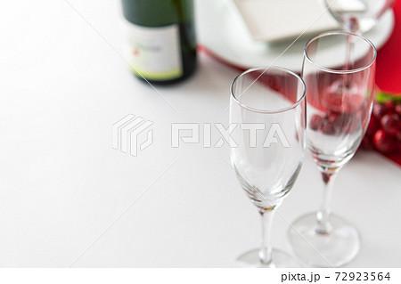 テーブルウエア ワイングラス 白背景イメージ素材 72923564