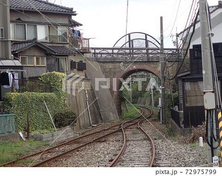 福井県坂井市のえちぜん鉄道三国芦原線の三国港駅近くにあるレンガ造りの単アーチ橋である眼鏡橋 72975799
