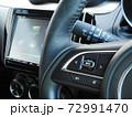自動車のステアリングオーディオスイッチ 72991470