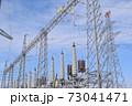 雪国の屋外変電設備 73041471