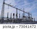 雪国の屋外変電設備 73041472
