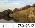 秋の夕暮れ姫路城 73042312