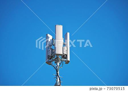 携帯電話の基地局(アンテナ) 73070515