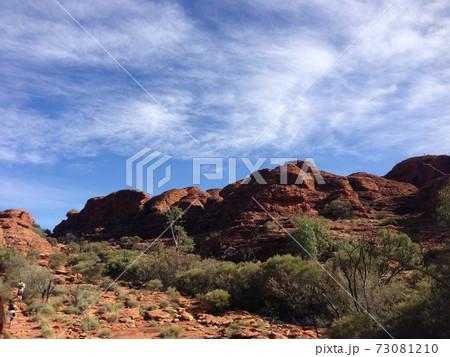 オーストラリアのカタジュタ国立公園 73081210