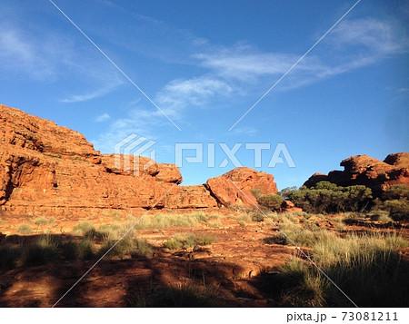 オーストラリアのカタジュタ国立公園 73081211