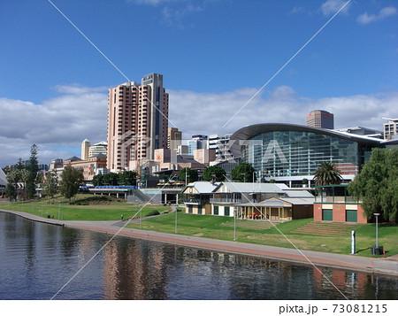 オーストラリア アデレードの街並み 73081215
