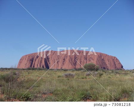 ウルル オーストラリアのエアーズロック 73081218
