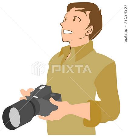 一眼レフカメラを持つ男性カメラマン 73184507