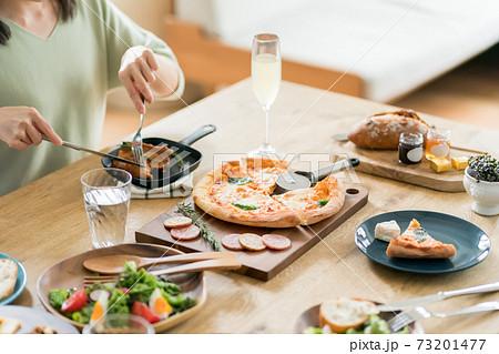 ホームパーティー料理 73201477